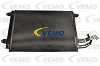 VEMO Klimakondensator V15-62-1017 Kondensator,Klimakühler VW,AUDI,SKODA,GOLF V 1K1,TOURAN 1T1, 1T2,GOLF VI 5K1,GOLF PLUS 5M1, 521
