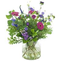 Debloemist lila/ paars boeket met vaas