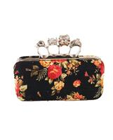 bouffante Designer inspired boksbeugel clutch in zwart met rozenprint