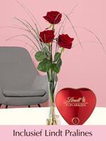 Surprose Drie rode rozen inclusief glasvaas en Lindt Pralines | Rozen online bestellen & versturen | .nl