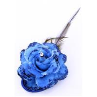 Blauwe bloem op speld