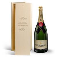YourSurprise Champagne in gegraveerde kist - Moët & Chandon (1500ml)