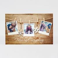 tadaaz Sfeervolle kerstkaart in houtlook met polaroid foto's