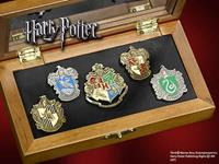 Noble Collection Harry Potter Pin Collection Hogwarts Houses (5)