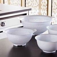 Witte kunststof keuken vergieten set van 23 en 28 cm diameter Wit