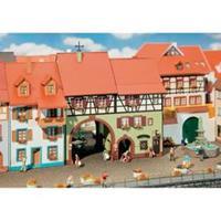 Faller 130499 H0 stadshuis met poort
