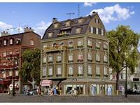 Vollmer 43783 H0 Café biedt plaats aan 120 personen.