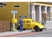 Busch 7887 H0 Volkswagen Kever met postman en brievenbus