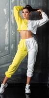 Cosmoda Collection Sexy sport / lounge set sweatpants + cropped hoodie geel