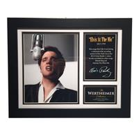 Fiftiesstore Elvis Presley - Elvis at the Mic Wertheimer Collection Commemorative Lijst