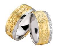 Christian Trouwringen met bloemversiering en diamanten geel goud