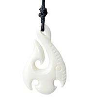 lgtjwls Tribal Bone kettinghanger Maori Fishhook White