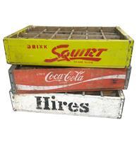 Fiftiesstore Set Van 3 Originele Houten Frisdrank Kratjes - Coca-Cola - Squirt - Hires