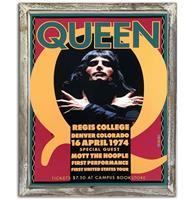 Fiftiesstore Queen Regis College 44cm x 34cm Metalen Wandbord Met Houten Omlijsting