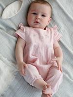 Babypakje voor meisjes met borduursels roze