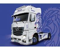 Italeri 3935 MB Actros MP4 Show GigaSpace Vrachtwagen (bouwpakket) 1:24