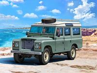 Land Rover Series III LWB 1:24 Scale Level 3 Revell Model Kit