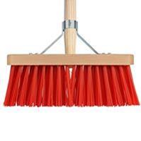 Talen Tools Bezem rood 28 cm met beugel en houten steel 140 cm