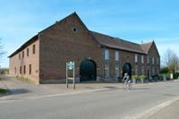 Hoevedebinnenplaets - Nederland - Limburg - Schimmert
