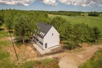 Modern huis bij Baltische zee Polen dicht bij het bos