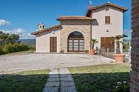 Borgo met mini zwembad in de Apennijnen, ongerepte natuur, prachtig uitzicht