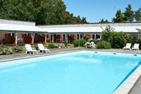 Modern appartement met een zwembad in Nexø