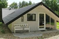 Prettige cottage in Roslev met toegang tot een roeiboot