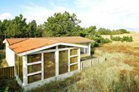 Vredig vakantiehuis  in Ålbæk met een ruim terras