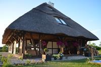Chique villa in Ustka met zwembad en sauna