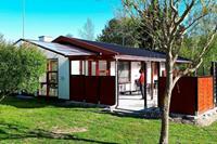 Ontspannen vakantiehuis in Rodby met zonnebedjes