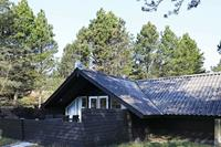 Schilderachtig vakantiehuis in Oksbøl met houtkachel