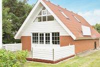 Sfeervol vakantiehuis in Ringkøbing met sauna en bubbelbad