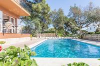 Eenvoudig ingericht appartement met gedeeld zwembad in Calella de Palafrugell