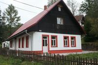 Ruim vakantiehuis in Rudník met een grote privétuin