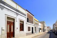 Authentiek dorpshuis met moderne inrichting in Olhão, vlakbij mooie stranden