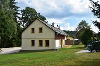 Ruim vakantiehuis  voor 12 personen in Lampertice met recreatieruimte