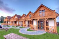 Ruim vrijstaand huis met privé terras,op omheind grondstuk.700m van het strand!