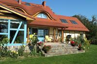 Smaakvolle villa aan Poolse kust in mooie natuur. Fijne tuin, sauna