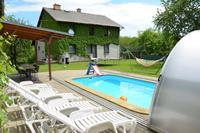 Kindvriendelijk vakantiehuis in de Bohemen met privézwembad