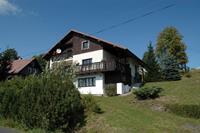 Ruime huis op 800m hoogte in het Reuzengebergte, 1 km van de stoeltjeslift