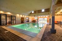 Luxe, zeer ruim vakantiehuis in vroeger dorpscafé met bioscoop, wellness en bar