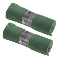 2x Fleece dekens/plaids met franjes donker groen 130 x 170 cm Groen