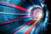 Tunnel Vlies Fotobehang 375x250cm 5-banen