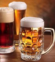 Beer Mugs Vlies Fotobehang 225x250cm 3-banen